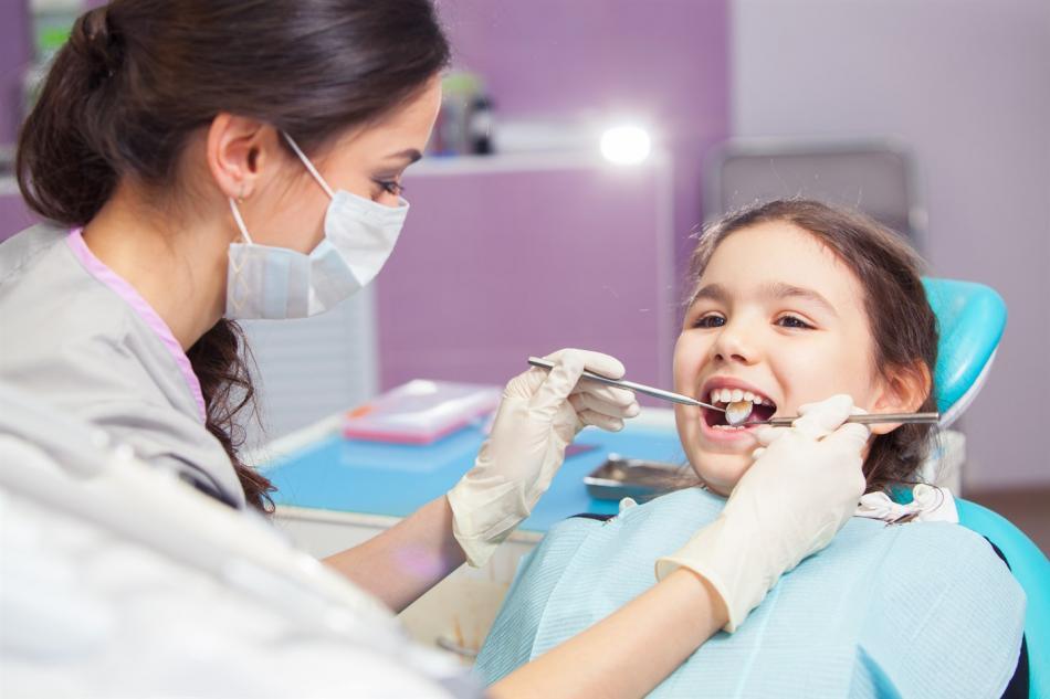 Цена на экстракцию молочных детских зубов.
