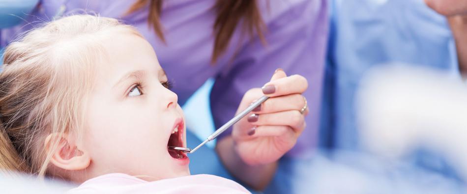 Как лечить флюс (периостит) у ребенка на молочных и постоянных зубах